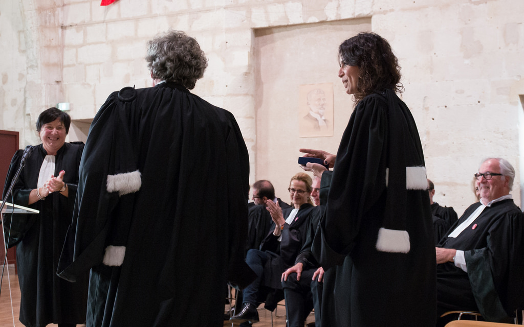 Fronde des futurs avocats contre l'augmentation des frais d'inscription : vers un système à l'américaine ?