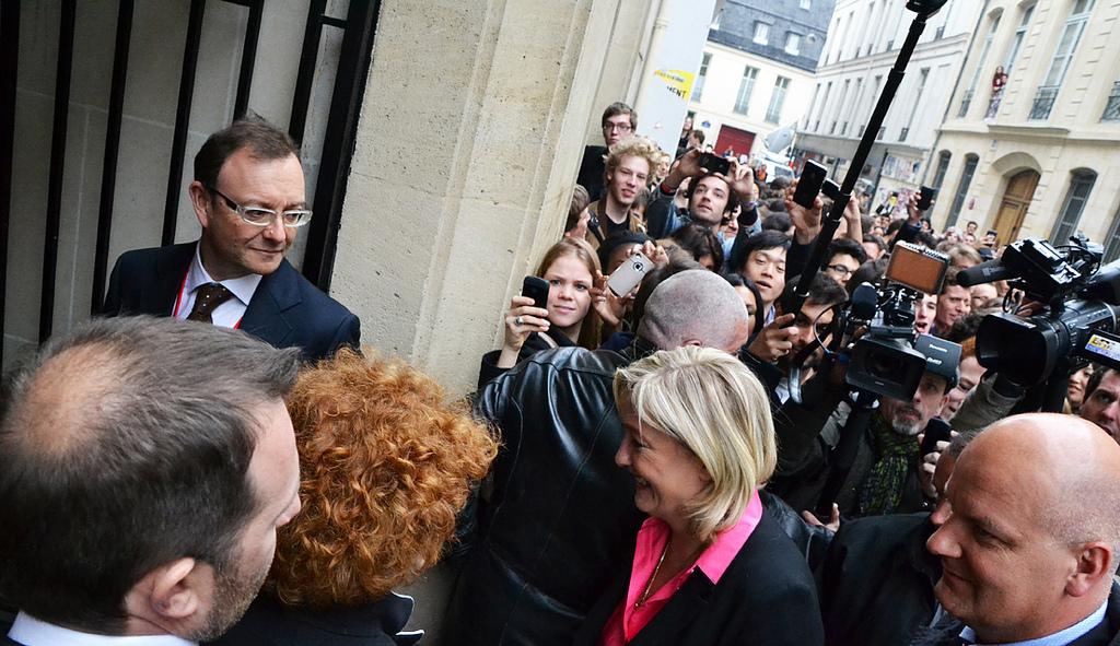Front National : le parti anti-système propulsé par les médias