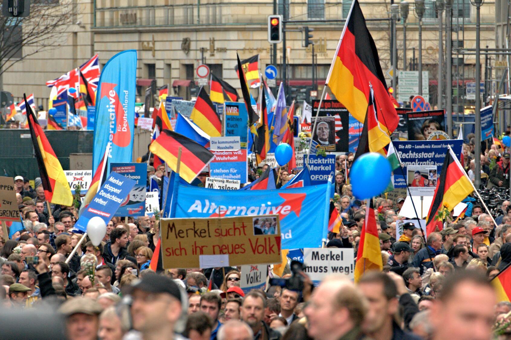 L'extrême droite allemande (AFD) enlève son masque