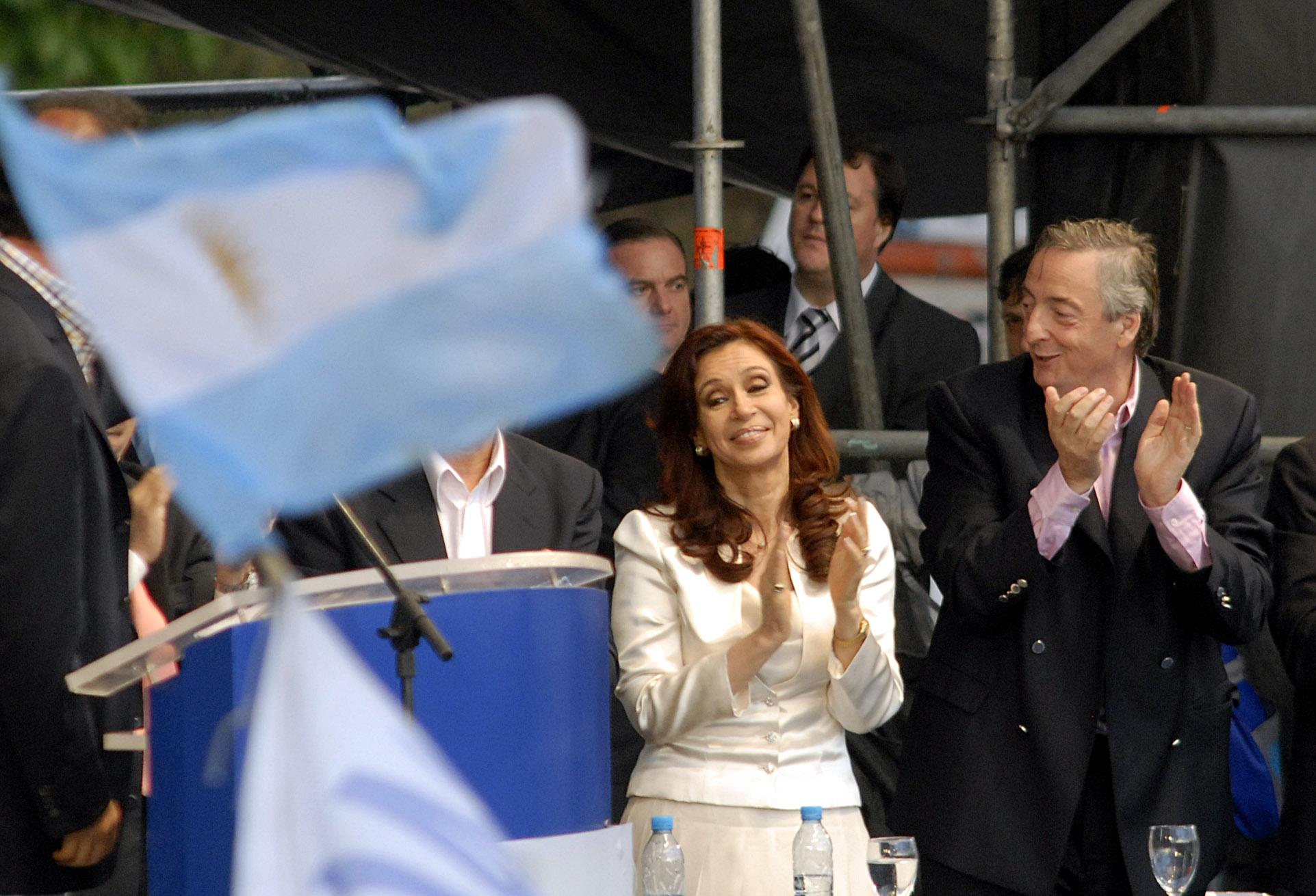 Argentine, l'ère des Kirchner : retour critique sur une «décennie gagnée»