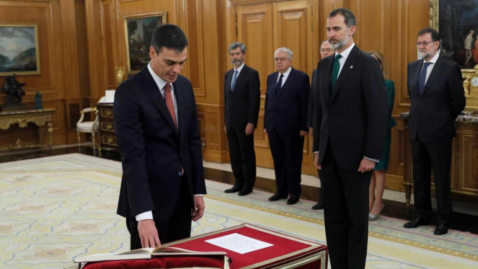 Le PSOE au pouvoir : un puzzle aux pièces incompatibles