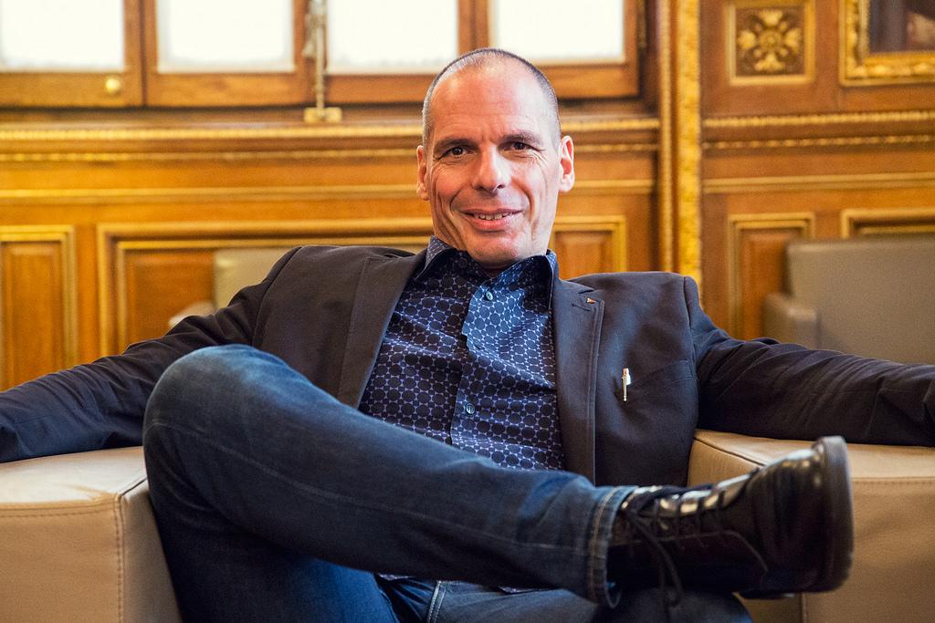 """""""Le pire ennemi de l'Europe, c'est le dogme qui prétend qu'il n'y a pas d'alternatives.""""- Entretien avec Yanis Varoufakis"""