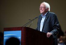 https://fr.wikipedia.org/wiki/Fichier:Bernie_Sanders_(19197909424).jpg