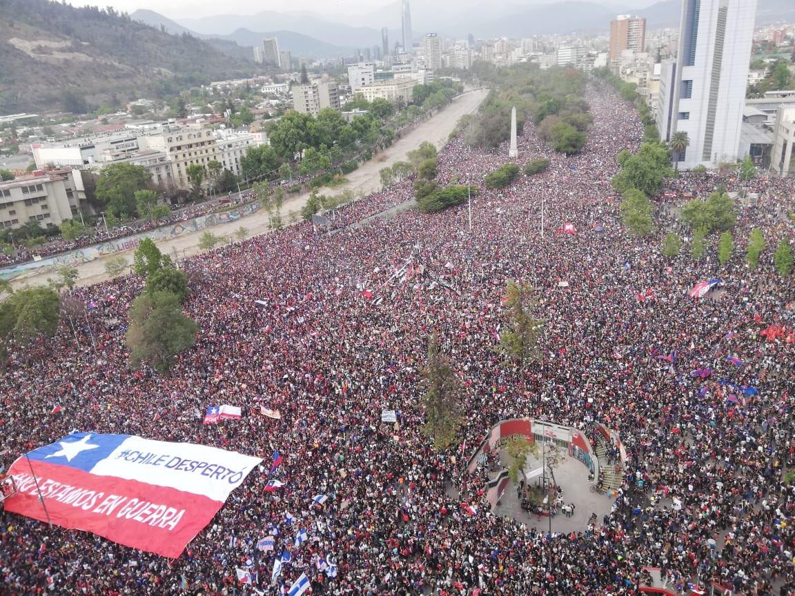 http://www.jujuydice.com.ar/noticias/actualidad-9/chile-desperto-se-realiza-la-marcha-mas-grande-46916