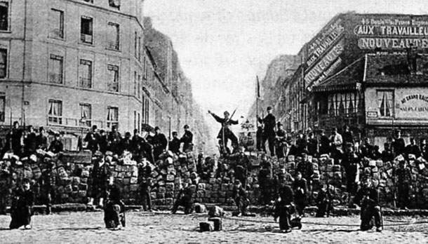 https://upload.wikimedia.org/wikipedia/commons/f/f5/Barricade18March1871.jpg