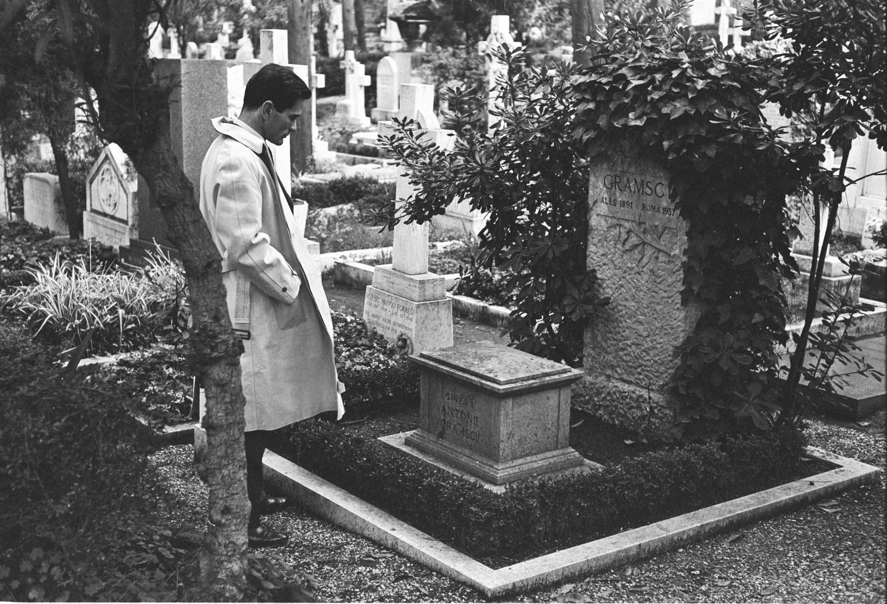 https://fr.m.wikipedia.org/wiki/Fichier:Gramsci_Pasolini.jpg