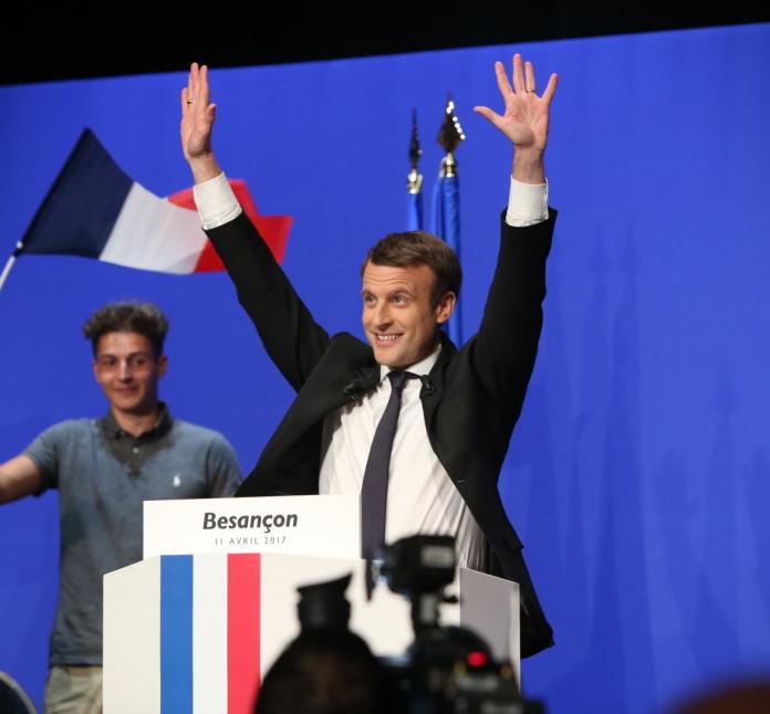 https://fr.wikipedia.org/wiki/Fichier:Emmanuel_Macron_en_meeting_à_Besançon.png