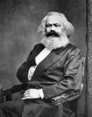 https://upload.wikimedia.org/wikipedia/commons/d/d4/Karl_Marx_001.jpg