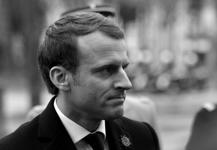 https://upload.wikimedia.org/wikipedia/commons/thumb/8/81/Emmanuel_Macron_%2812%29.JPG/1280px-Emmanuel_Macron_%2812%29.JPG