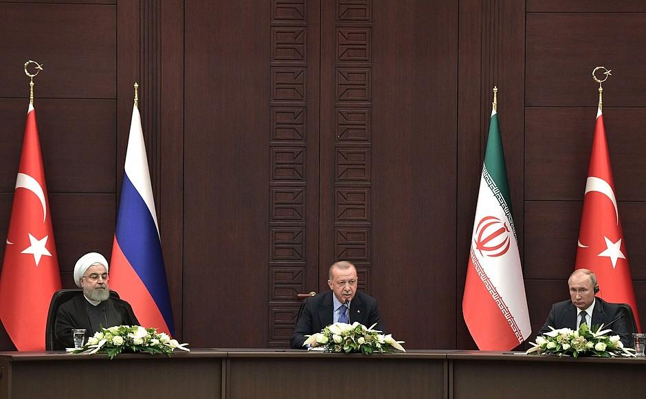 http://static.kremlin.ru/media/events/photos/big/cnhQZ6RUCbGSUNDGgkAS7hGApGjNbAq0.jpg