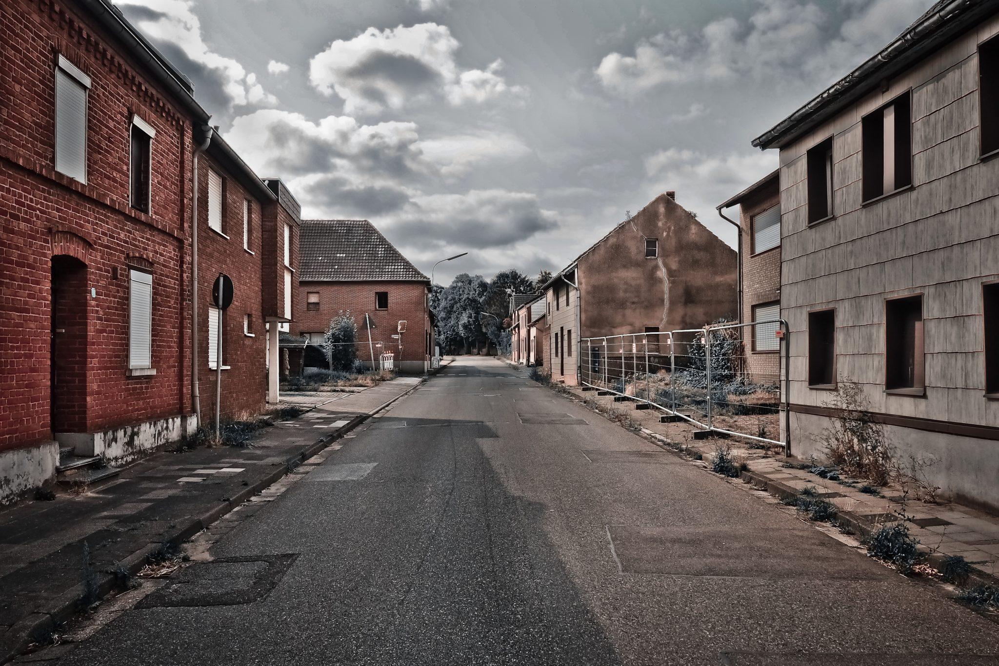 https://pixabay.com/fr/photos/endroits-perdus-maisons-abandonn%C3%A9-3626259/?fbclid=IwAR2YCn1zpfoxCEHs8B8CaWXoB4tFyauEJ249sLybHCG0QJKT1fPs66cjqb4