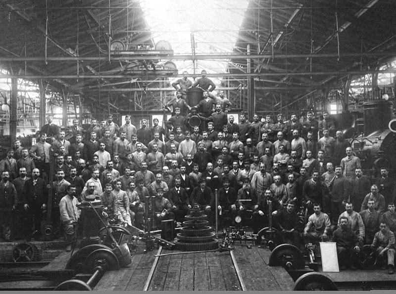 https://fr.m.wikipedia.org/wiki/Fichier:Photo_de_ouvrier_en_1895.jpg