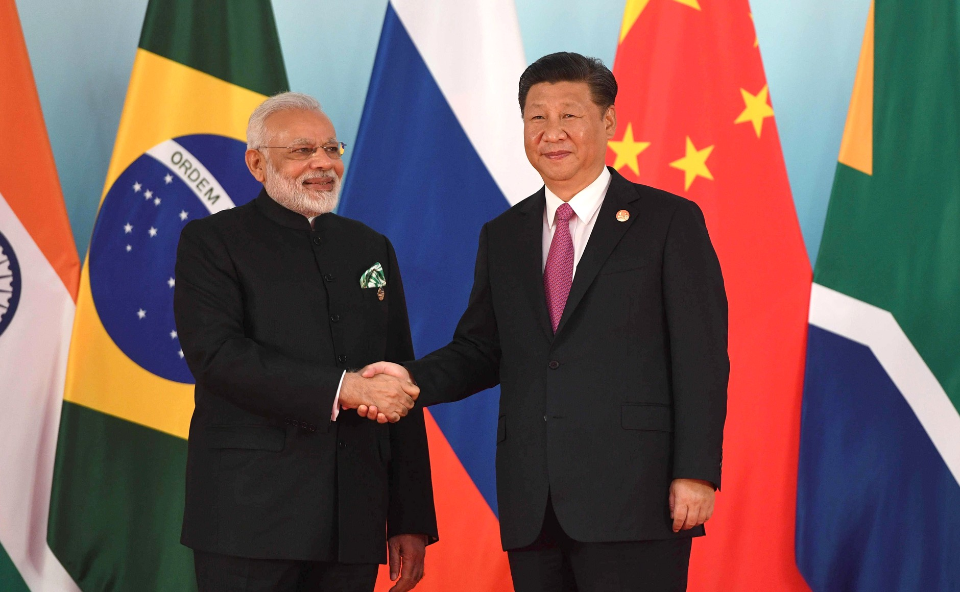 https://commons.wikimedia.org/wiki/File:Prime_Minister_of_India_Narendra_Modi_and_President_of_China_Xi_Jinping_before_the_beginning_of_the_2017_BRICS_Leaders%27_meeting.jpg