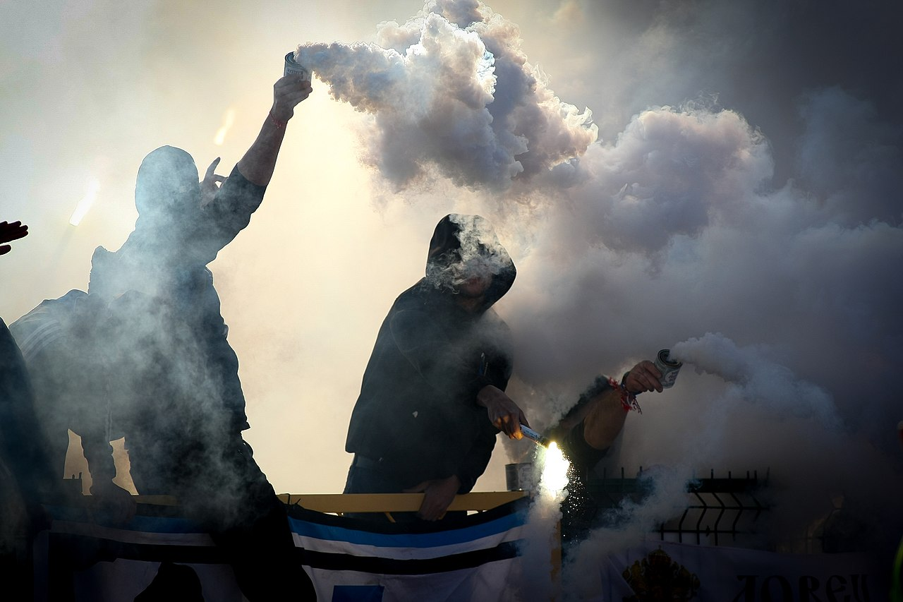https://commons.wikimedia.org/wiki/File:Football_ultras.jpg