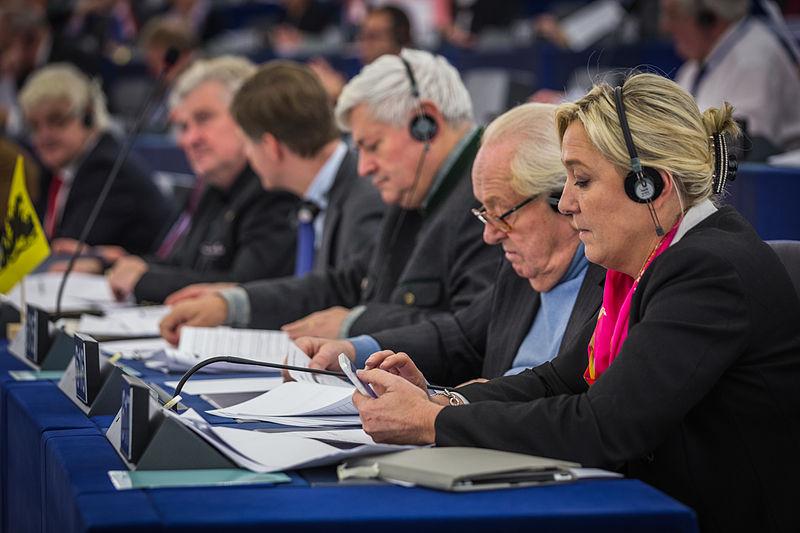https://commons.wikimedia.org/wiki/File:Marine_Le_Pen_Jean-Marie_Le_Pen_Bruno_Gollnisch_Parlement_europ%C3%A9en_Strasbourg_10_d%C3%A9cembre_2013.jpg