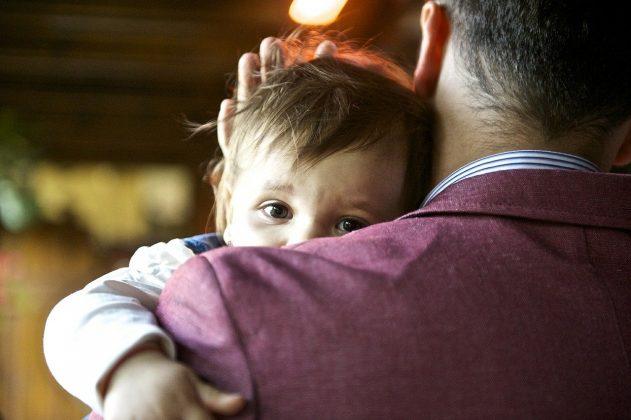 https://pixabay.com/photos/baby-child-father-love-539970/
