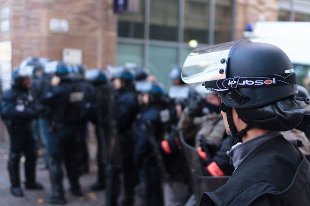 https://upload.wikimedia.org/wikipedia/commons/0/05/Manifestation_Toulouse%2C_22_novembre_2014_%2815235448264%29_%282%29.jpg