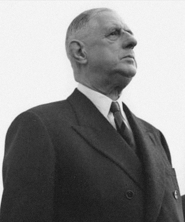 https://commons.wikimedia.org/wiki/File:Bundesarchiv_B_145_Bild-F010324-0002,_Flughafen_K%C3%B6ln-Bonn,_Adenauer,_de_Gaulle.jpg